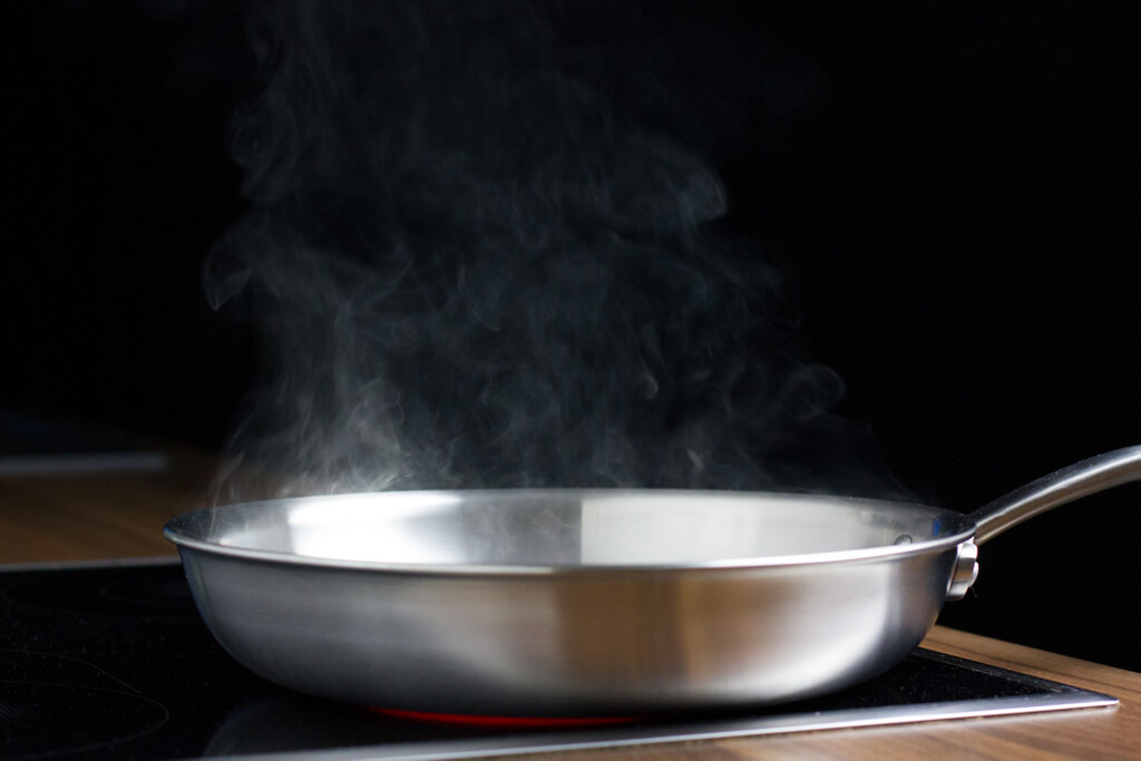 4-preheat-the-skillet-smoking-hot